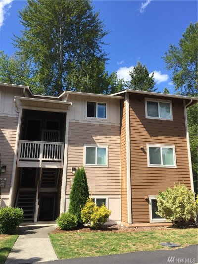 Woodinville Condo/Townhouse For Sale: 14006 NE 181st Place #B106