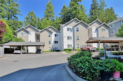 Everett Condo/Townhouse For Sale: 5809 Highway Place #B-202