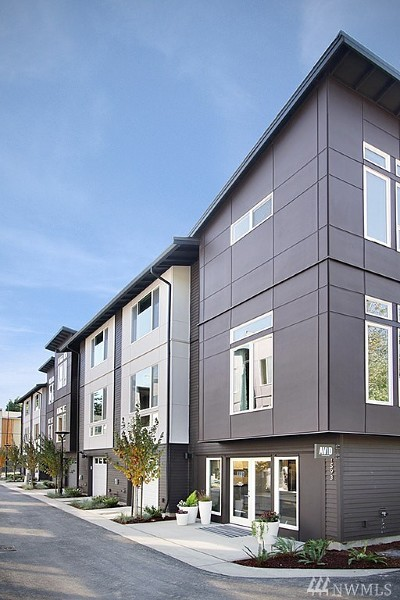 Bellevue Condo/Townhouse For Sale: 1536 139th Lane NE