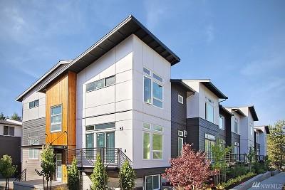 Bellevue Condo/Townhouse For Sale: 1512 139th Lane NE