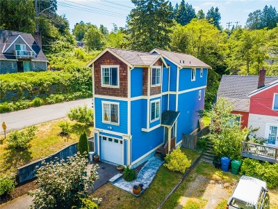 Seattle Single Family Home For Sale: 5459 30th Ave SW