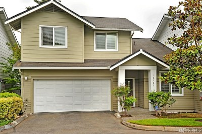 Kirkland Condo/Townhouse For Sale: 12223 NE 109th Wy