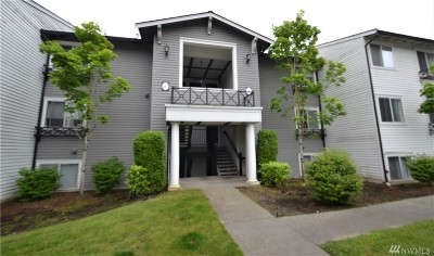 Lynnwood Condo/Townhouse For Sale: 15415 35th Ave W #F304