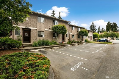 Lynnwood Condo/Townhouse For Sale: 20120 60th Ave W #A4