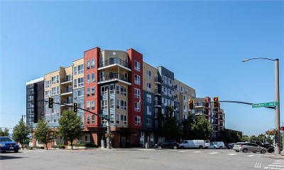 Everett Condo/Townhouse For Sale: 2824 Grand Ave #A202
