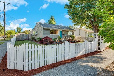 Seattle Single Family Home For Sale: 1901 SW Andover St