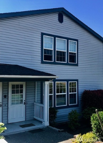 Whatcom County Condo/Townhouse Sold: 906 11th St #4