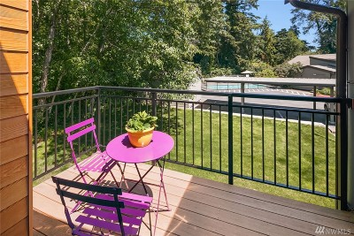 Bothell Condo/Townhouse For Sale: 10809 NE 147th Lane #M-202
