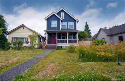 Everett Single Family Home For Sale: 2223 Oakes Ave