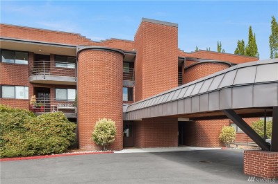 Kirkland Condo/Townhouse For Sale: 311 2nd St S #301