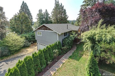 Lakewood Single Family Home For Sale: 553 Lake Louise Dr SW