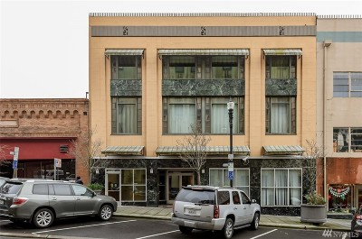 Tacoma Condo/Townhouse For Sale: 747 St Helen's #PH