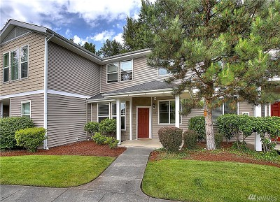 Puyallup Condo/Townhouse For Sale: 12601 172nd St E #JJ102