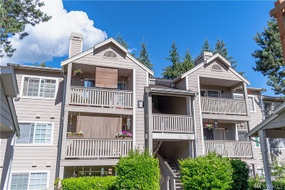 Everett Condo/Townhouse For Sale: 215 100th St SW #D303