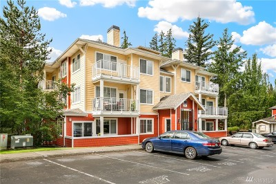 Sammamish Condo/Townhouse For Sale: 501 NE 225th Place #G303