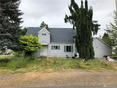 Buckley Single Family Home For Sale: 522 Dundass Ave