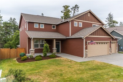 Oak Harbor Single Family Home For Sale: 2972 SW Fairway Point Dr