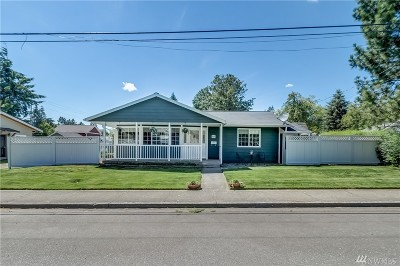 Lynden Single Family Home Pending: 609 N 8th St
