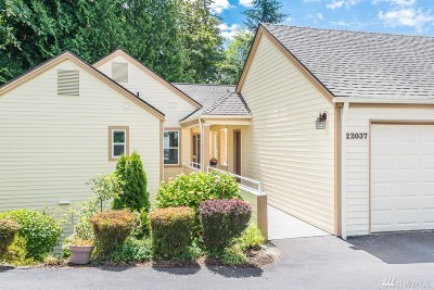 Issaquah Condo/Townhouse For Sale: 22037 SE 40th Ct
