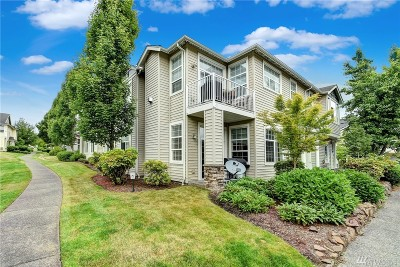 Sammamish Condo/Townhouse For Sale: 1855 Trossachs Blvd SE #402