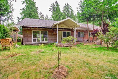 Sammamish Single Family Home For Sale: 832 211th Place NE