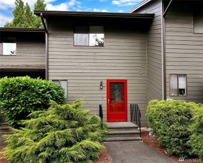 Blaine Condo/Townhouse Pending: 7650 Birch Bay Dr #W5