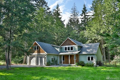 Clinton Single Family Home Contingent: 3937 Deer Lake Rd