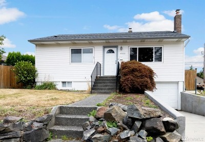 Single Family Home For Sale: 4533 S 7th St