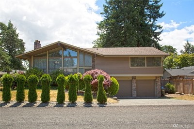 Lakewood Single Family Home For Sale: 9504 73rd St SW
