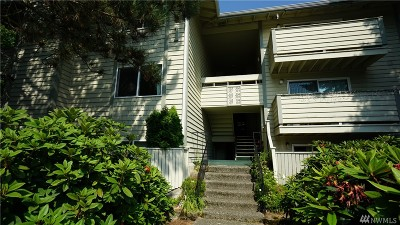 Renton Condo/Townhouse For Sale: 1150 Sunset Blvd NE #204
