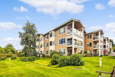 Edmonds Condo/Townhouse For Sale: 404 3rd Ave S #A-201