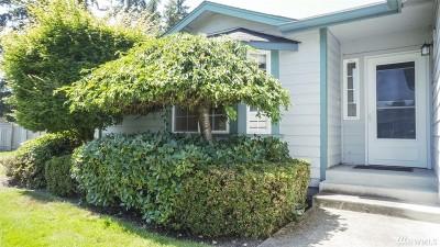 Tacoma Condo/Townhouse For Sale: 15424 8th Av Ct E