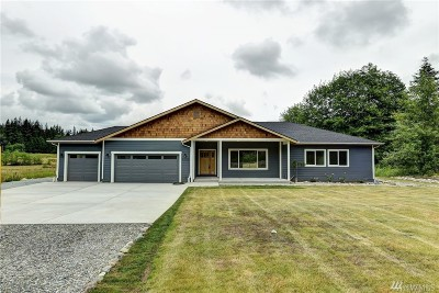 Stanwood Single Family Home For Sale: 1930 NW 274th St N