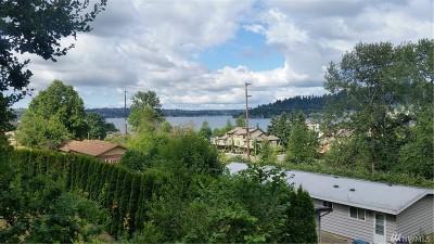 Renton Condo/Townhouse For Sale: 4100 Lake Washington Blvd N #B101