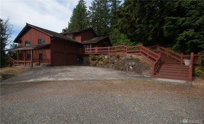 Maple Valley Single Family Home For Sale: 22189 SE Petrovitsky Rd