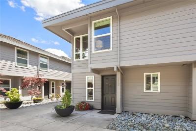 Condo/Townhouse Sold: 10015 NE 12th St #112