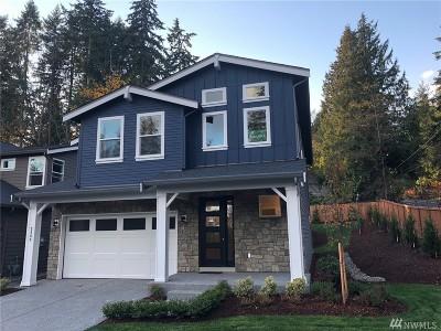 Shoreline Condo/Townhouse For Sale: 2355 NE 150th St