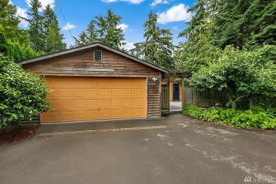 Lake Forest Park Single Family Home Contingent: 20407 39th Place NE
