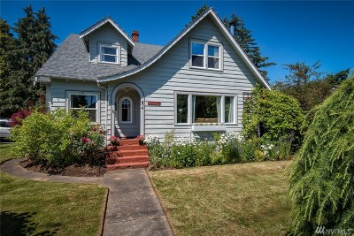 Lynden Single Family Home Pending Inspection: 874 Main St