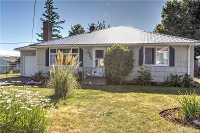 Oak Harbor Single Family Home Pending Inspection: 385 SE Quaker St SE