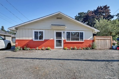 Lakewood Single Family Home For Sale: 15301 Portland Ave SW