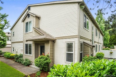 Issaquah Condo/Townhouse For Sale: 4408 248th Lane SE