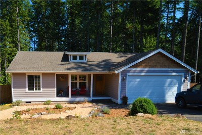 Single Family Home Contingent: 670 E Timberlake East Dr