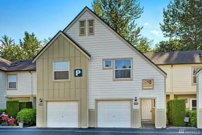 Everett Condo/Townhouse For Sale: 1600 121st St SE #P103