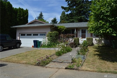 Redmond Single Family Home For Sale: 15824 NE 111th St
