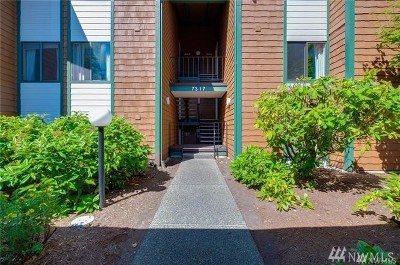 Tacoma Condo/Townhouse For Sale: 7320 N Skyview Place #D-204