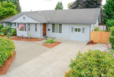Single Family Home For Sale: 1704 5th St NE