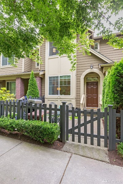 Bothell Condo/Townhouse For Sale: 10625 Ross Rd #B