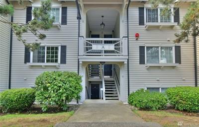 Everett Condo/Townhouse For Sale: 12404 E Gibson Rd #A203