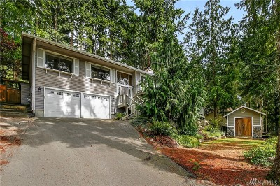 Sammamish Single Family Home For Sale: 910 207th Ave NE